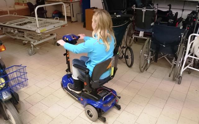 Aby na pomůcky pro handicapované a seniory nepršelo