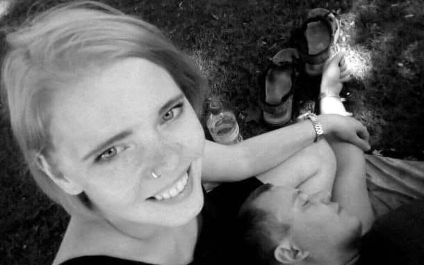 Pomoc manželovi a rodině zemřelé těhotné Martiny Cmarové