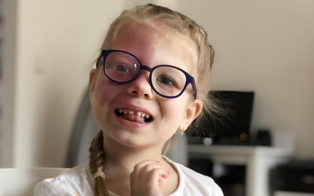 Jessica potřebuje auto na časté cesty k lékařům. Pomozme jí!