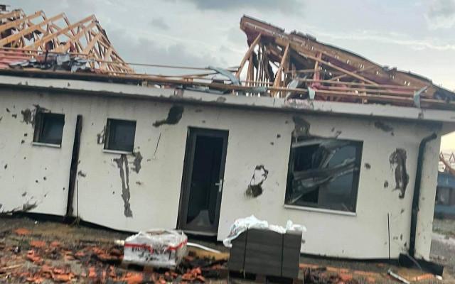 Pomohli jste Dominice a jejímu manželovi s opravou domu po ničivém tornádu