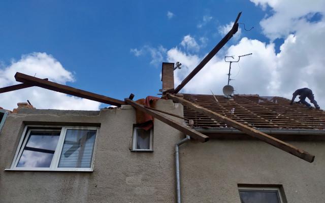 Pomohli jste Hanákovým z Mikulčic, kterým tornádo vzalo střechu nad hlavou