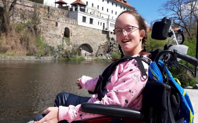 Na nové auto pro těžce postiženou Elišku