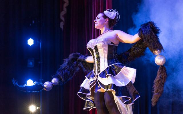 Burlesque show small