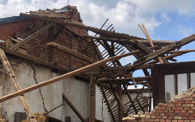 Pomohli jste Matouškovým z Moravské Nové Vsi, které zasáhlo tornádo