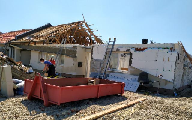 Pomohli jste Pavlovi Sečkarovi, kterému tornádo zničilo domov