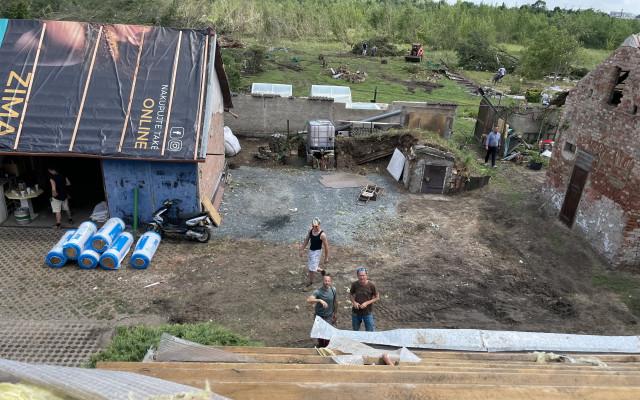 Složili jste se na opravu komunitní lezecké stěny, kterou zničilo tornádo