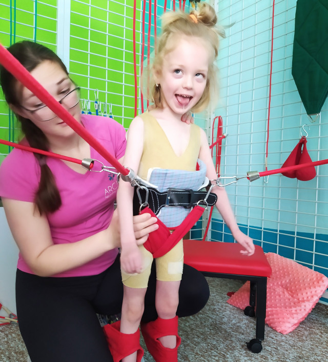 Pomoc pro Bibianku, která chce běhat se svou sestřičkou