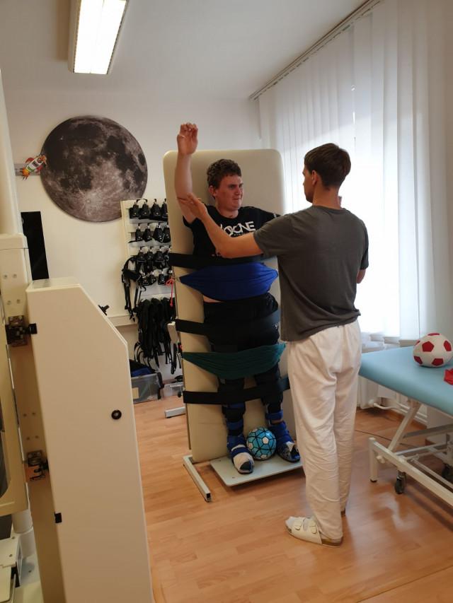 Na Tomášovy neurorehabilitace, abychom mu mohli splnit sen