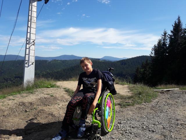 Kryštof po operaci ochrnul, pomozme mu zase chodit