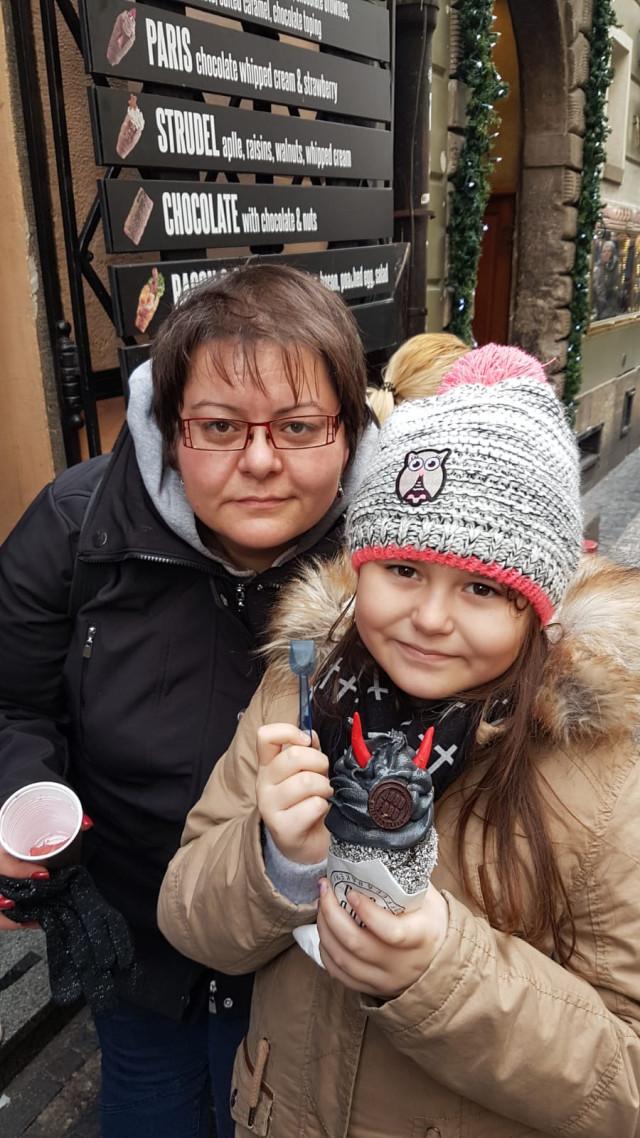 Naděje pro Bětku na vzdělání, bezstarostné dětství a dospívání bez mámy