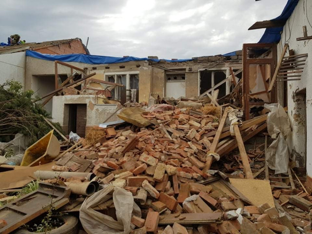 Pomoc rodině Zugárkových z Hrušek - tornádo nám zničilo domov