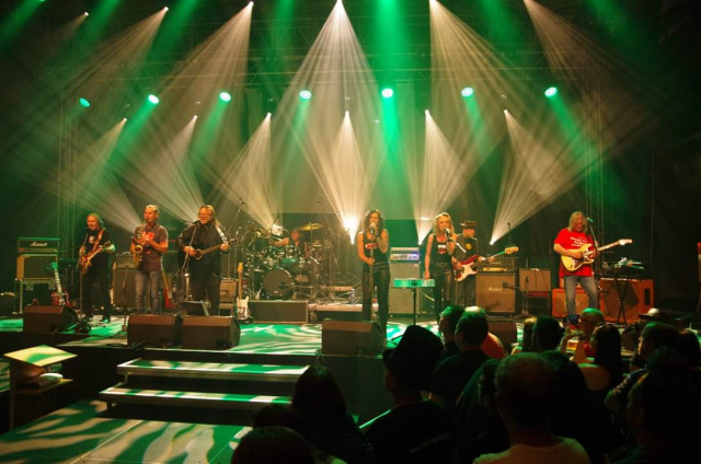 Podpořme muzikanty z Hudba Praha Band #kulturažije