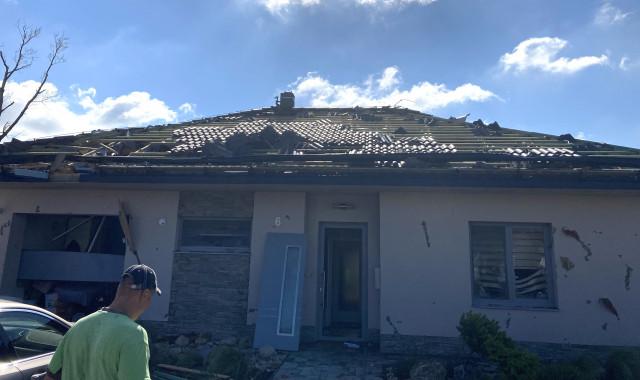 Lenka a Peter Kubenovi - tornádo jim zničilo dům, pomůžeme?