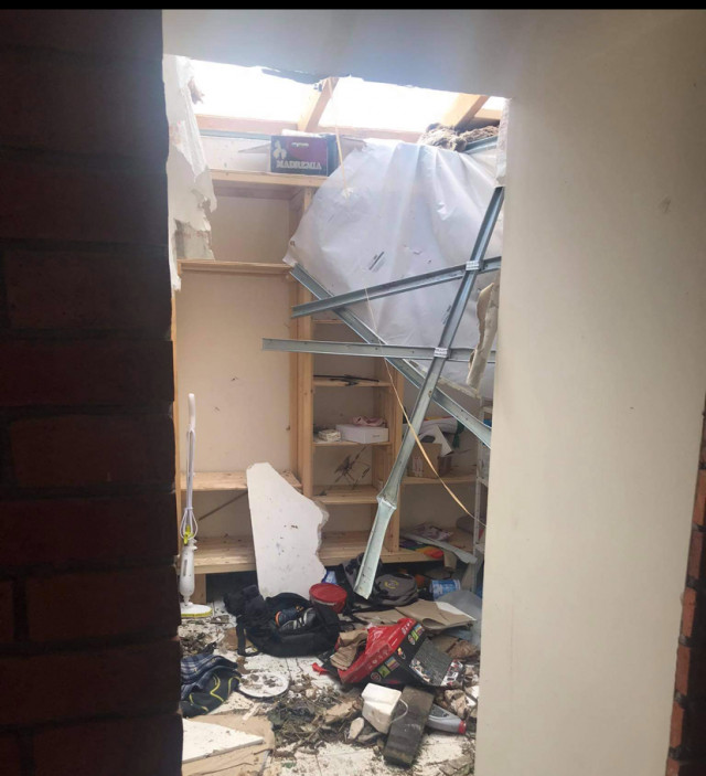 Mladá rodina Pavúčkových přišla kvůli tornádu o střechu nad hlavou