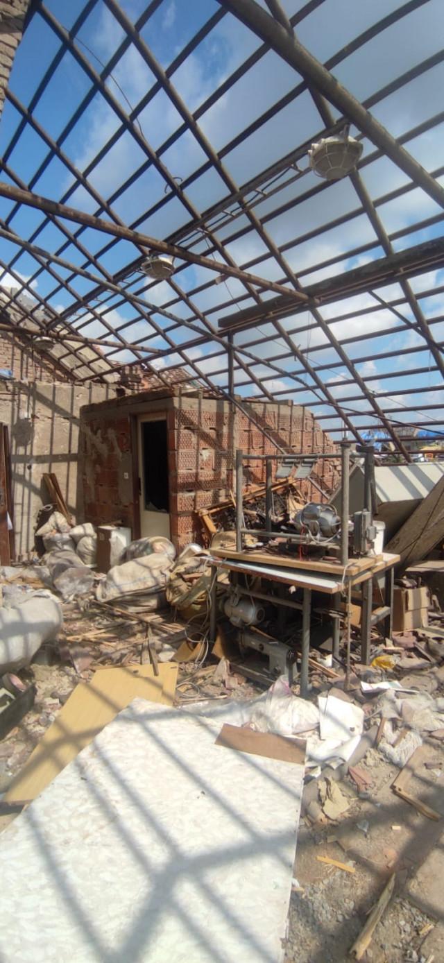 Pomozme navrátit práci lidem z dílny Karika, kterou zasáhlo tornádo