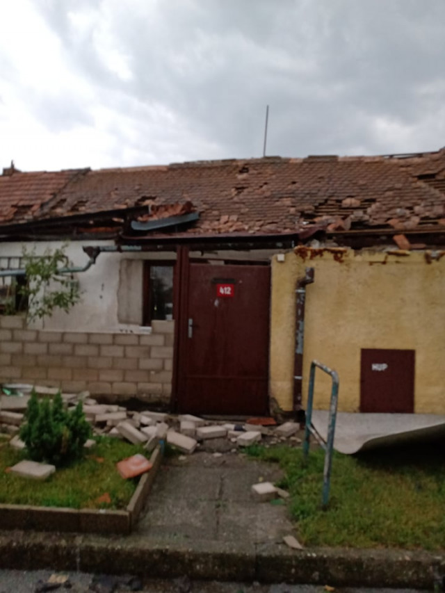 Pomoc pro Beránkovy, kterým ničivé tornádo odneslo střechu