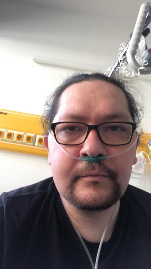 Na léky pro Lukáše, který má poškozené plíce