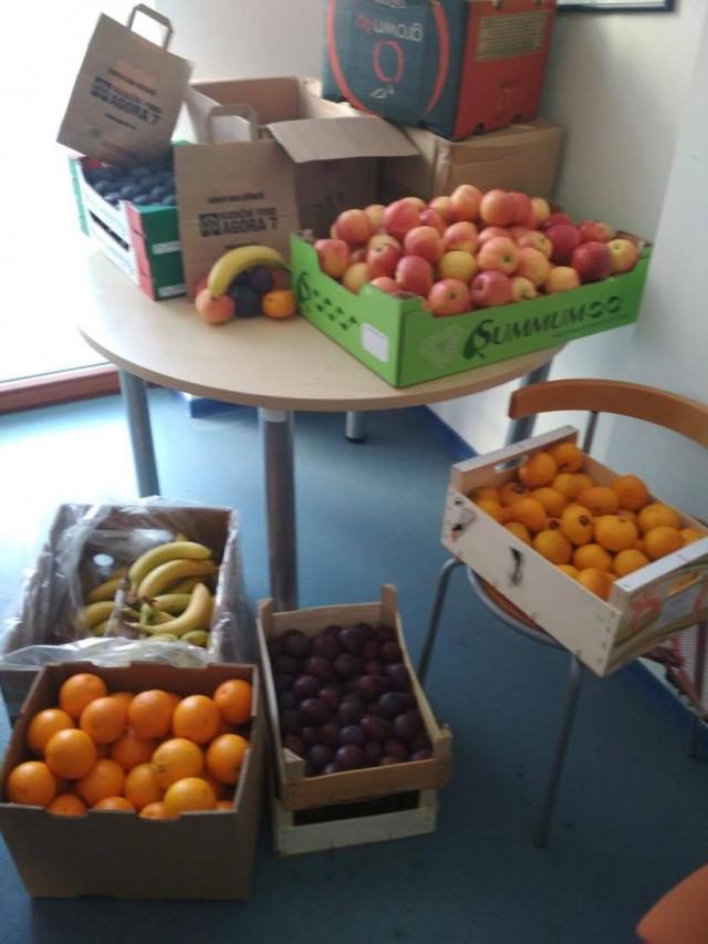 Pomozme zajistit ovocné balíčky seniorům a lidem v nouzi