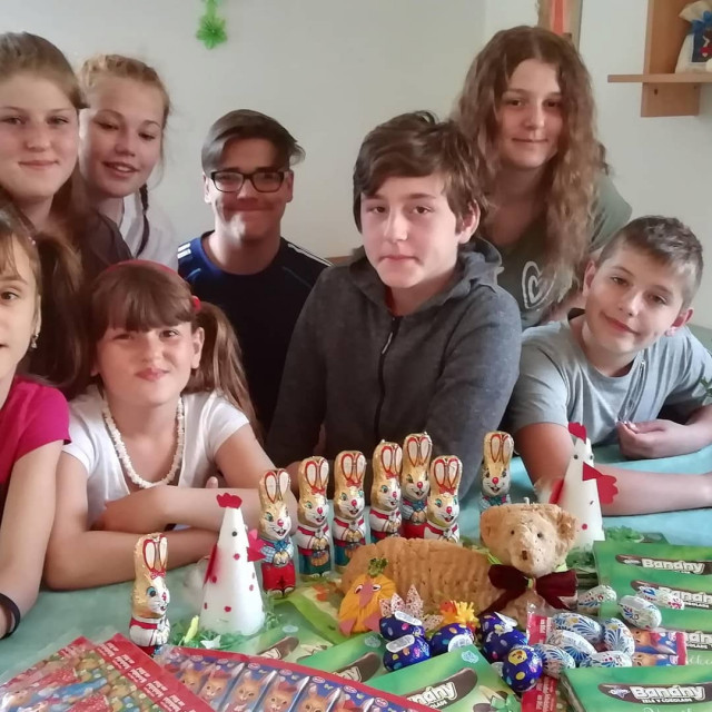 Hvězdy dětem pomáhají Martínkovi a Denisce z dětského domova