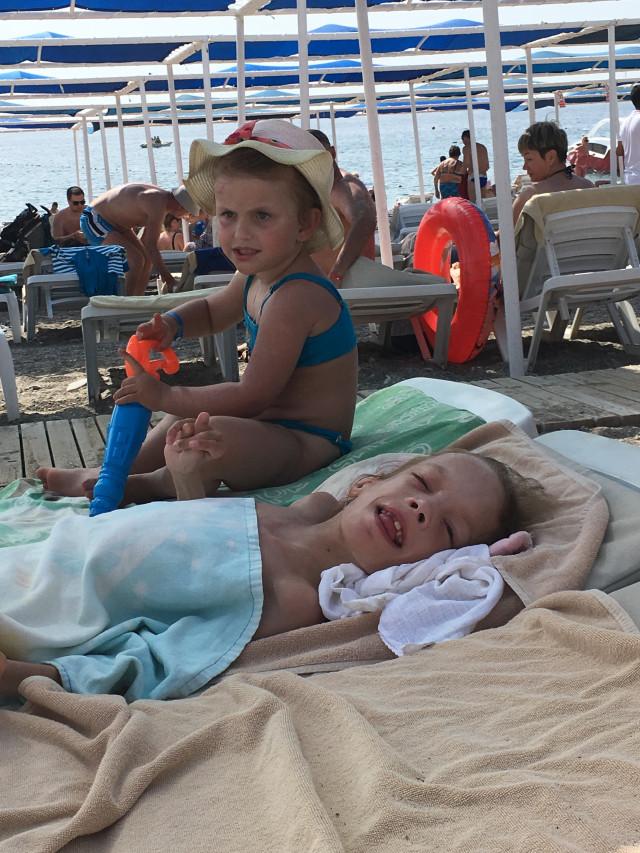 Ozdravný pobyt u moře pro těžce postiženou Míšu