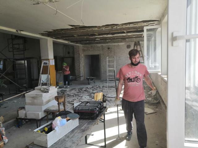 Pomozme dobrovolníkům z Velkého Oseku s rekonstrukcí sokolovny