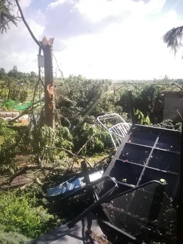 Pomoc Pěnicovým, kterým tornádo zničilo domov