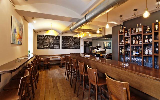 Zajděte na něco dobrého do Café Decada