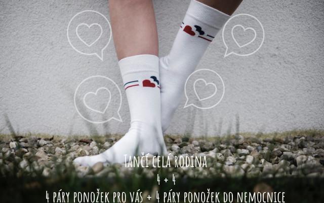 Tančí celá rodina - 4 + 4 páry ponožek