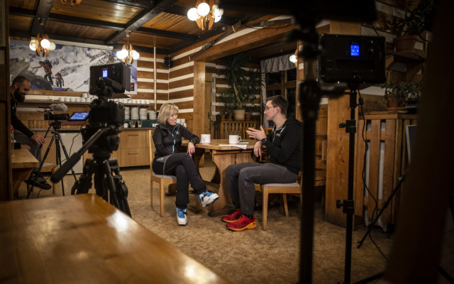 Účast na natáčení rozhovorů někde v horách