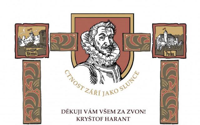 Jméno donátora na pamětní tabuli u zvonu na hradě Pecka