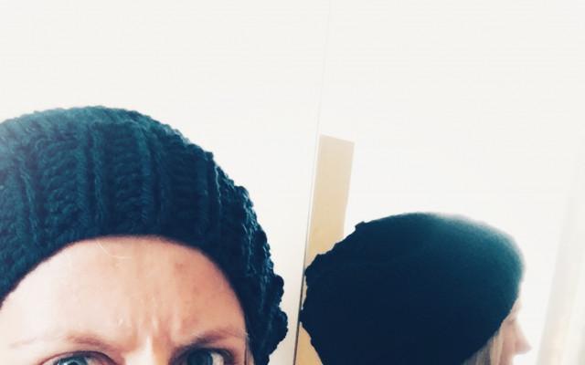Pletená čepice z dílny D.B. i s dopravou